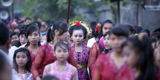 Eine 14-jährige Braut in Indonesien.