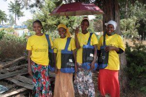 Vier Teilnehmerinnen des Adolescent Nutrition Support Programme 2015 in Äthiopien