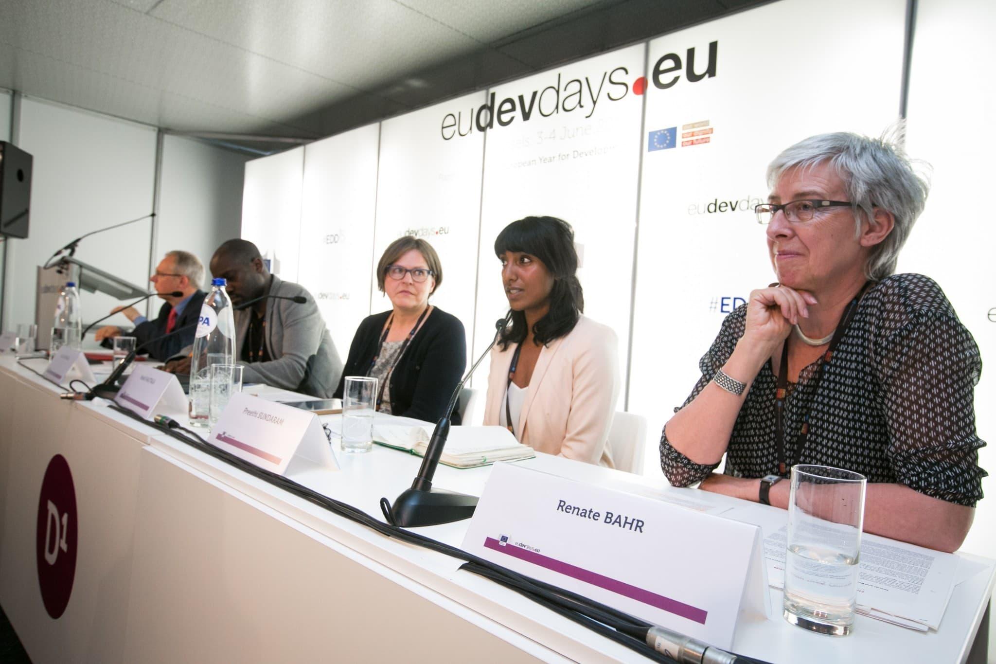 DSW-Geschäftsführerin Renate Bähr bei den Europäischen Entwicklungstagen