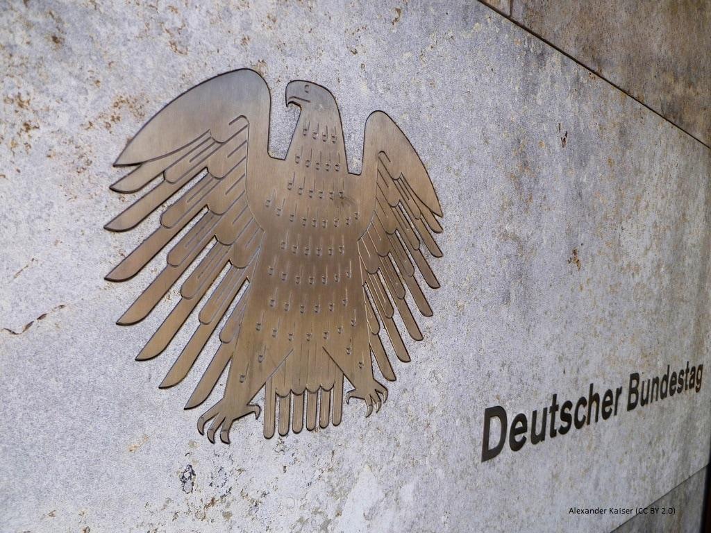 Eingang zum Deutschen Bundestag