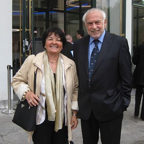 Werner und Karin Schneider, Werner und Karin Schneider-Stiftung