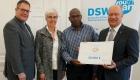 Scheckübergabe Wertgarantie für Youth Truck Uganda