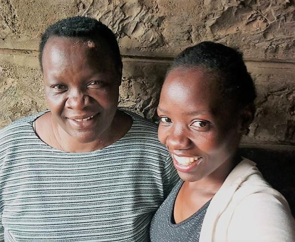 Silvia aus Kenia und ihre Mutter