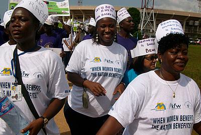 Demonstration gegen sexualisierte Kriegsgewalt