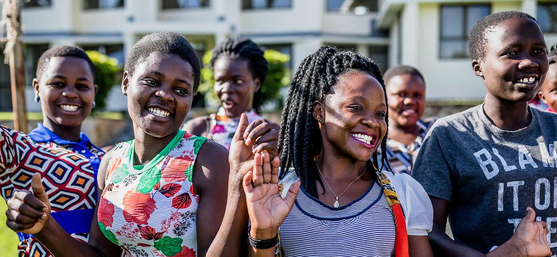 Frauen einer Gruppe für junge Mütter.